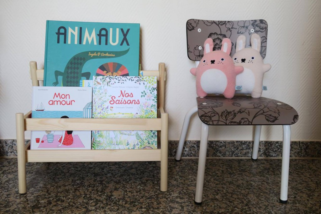 Son coin lecture et le pr sentoir livres flisat de chez - Fabriquer bibliotheque enfant ...